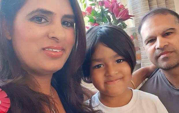 saneeta and her family