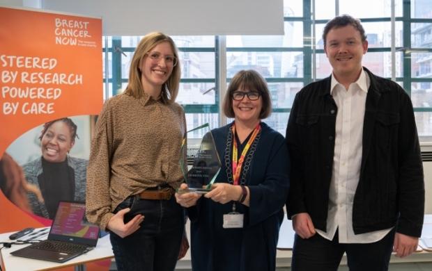 dr rachel eyre receives her award