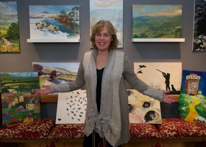 Anita at her art auction