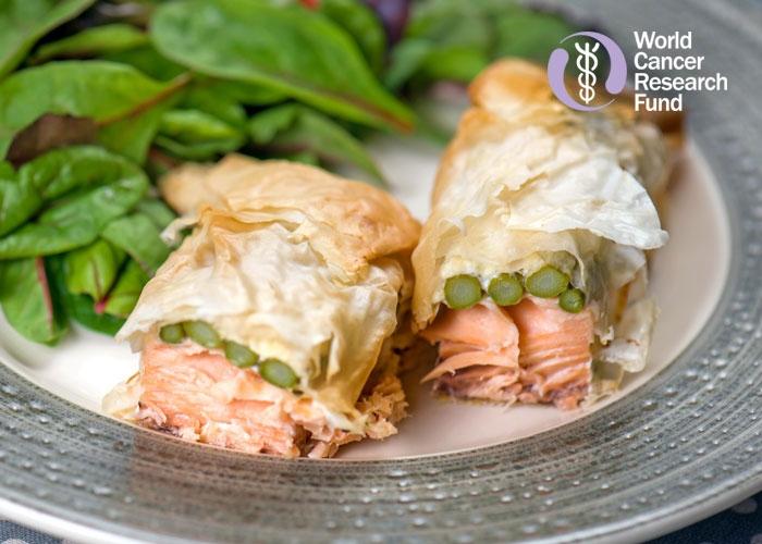 Salmon and asparagus parcels