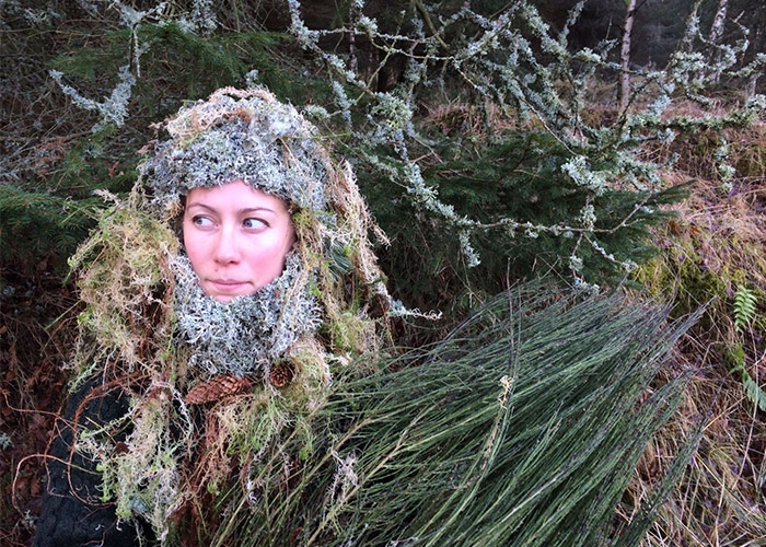 Hana in her moss wig