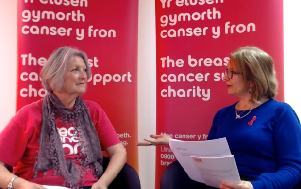 Sue and Ade discussing living with lymphoedema