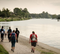 Walkers on the Thames Path for Breast Cancer Care