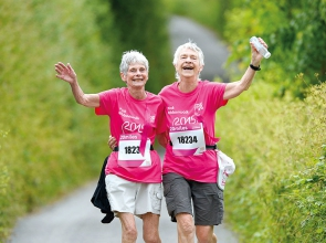 2 people on the Pink Ribbonwalk