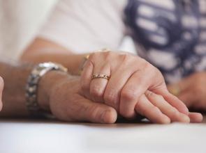 hands support comfort diagnosis