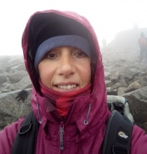 alison metcalfe takes a selfie at ben nevis