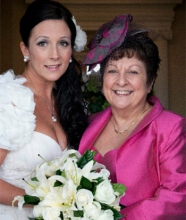 Leanne and her mum on her wedding day